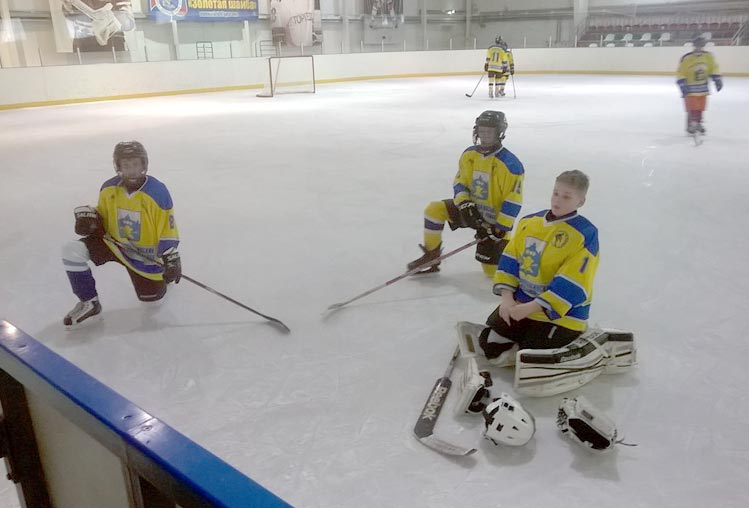 Республиканские соревнования по хоккею клуба золотая шайба в полном разгаре